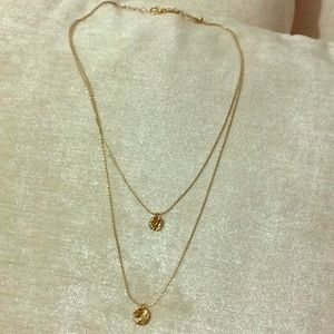 Double layered gold circle necklace